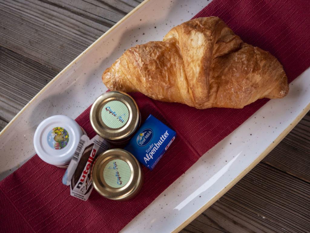 Frühstück im Bergrestaurant Gipföhit