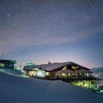 Bergrestaurant Gipföhit am Schatzberg mit Sternenhimmel